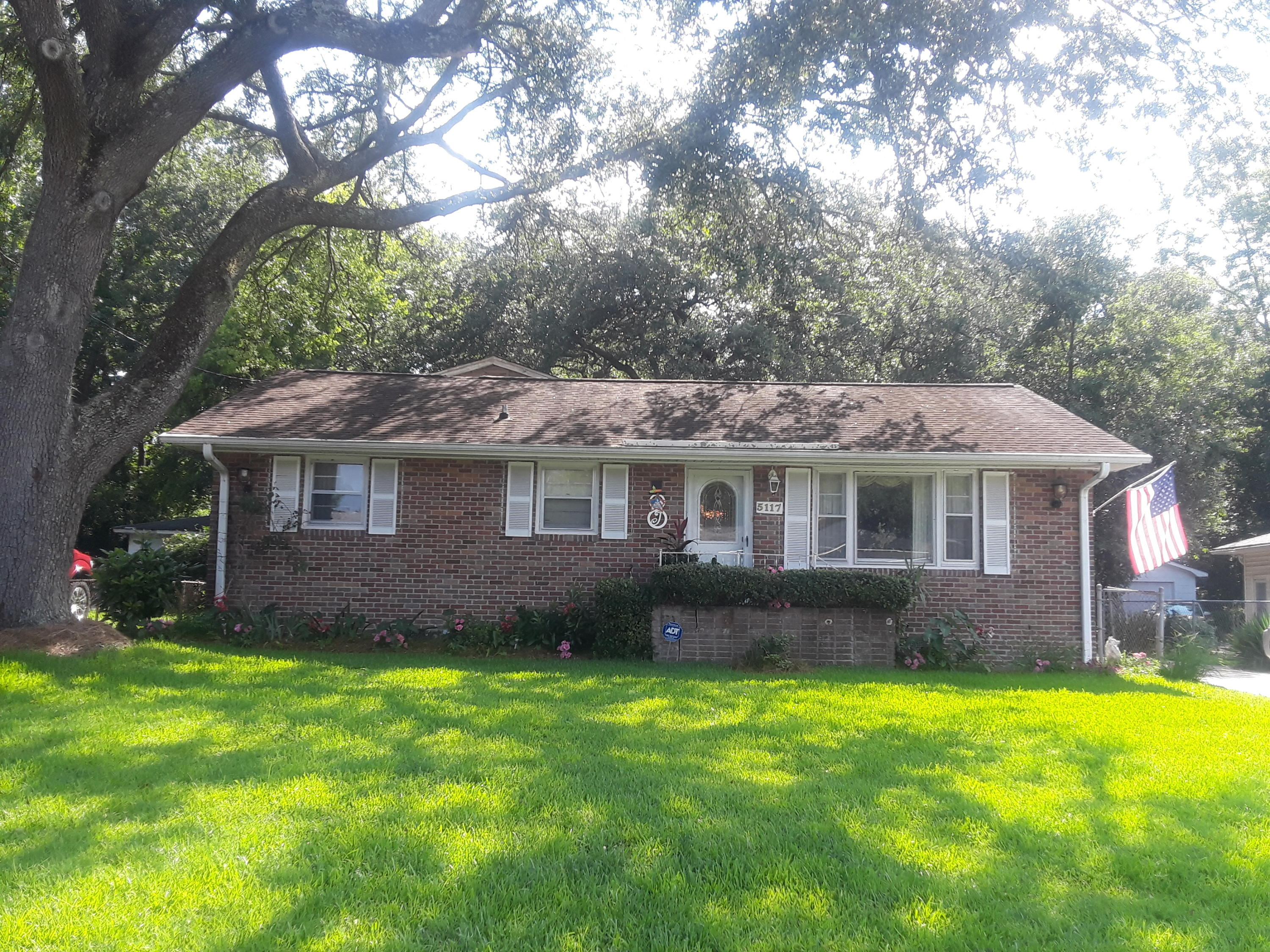 5117 Monterey Street North Charleston, SC 29405