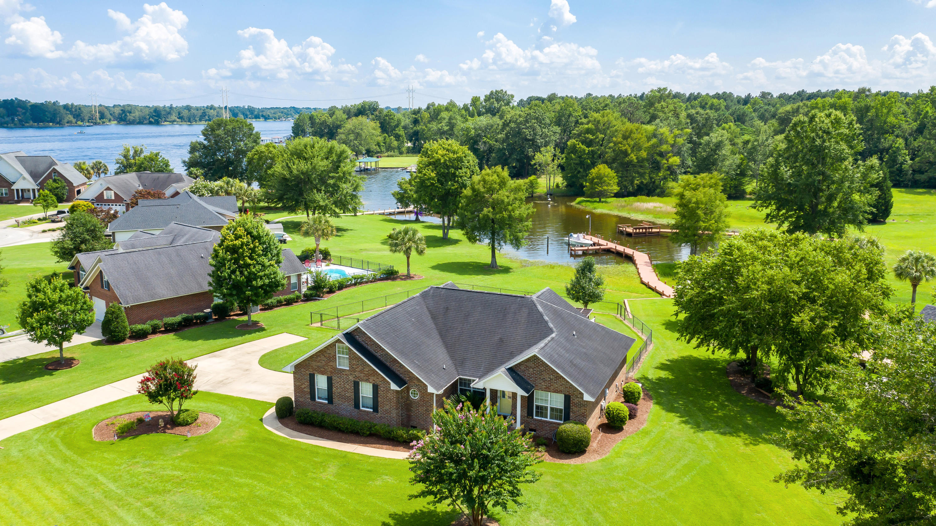 1548 Lakeview Drive Manning, SC 29102