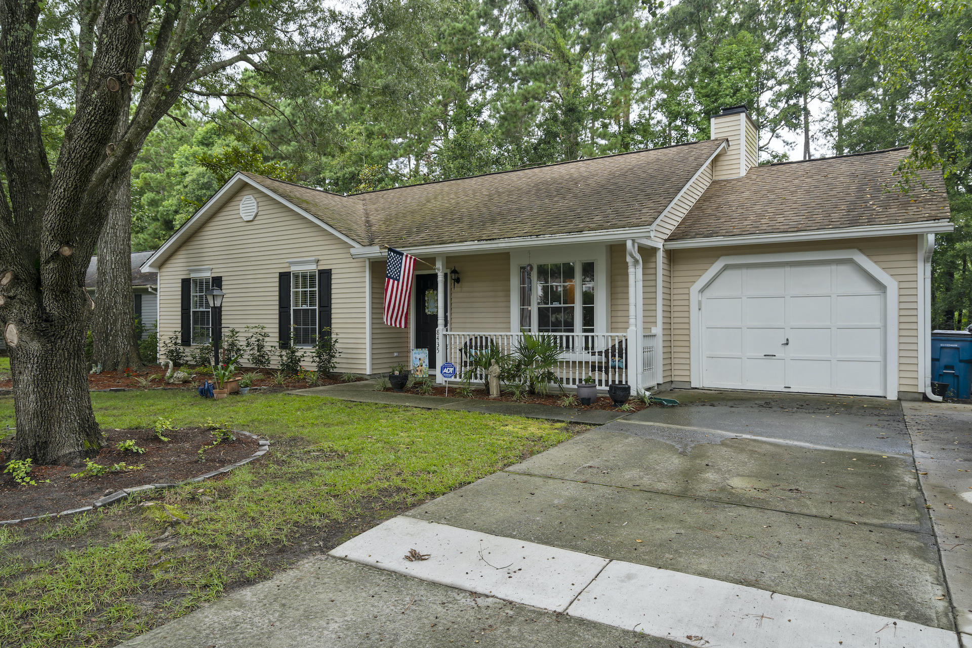 8435 Scotts Mill Drive North Charleston, SC 29420