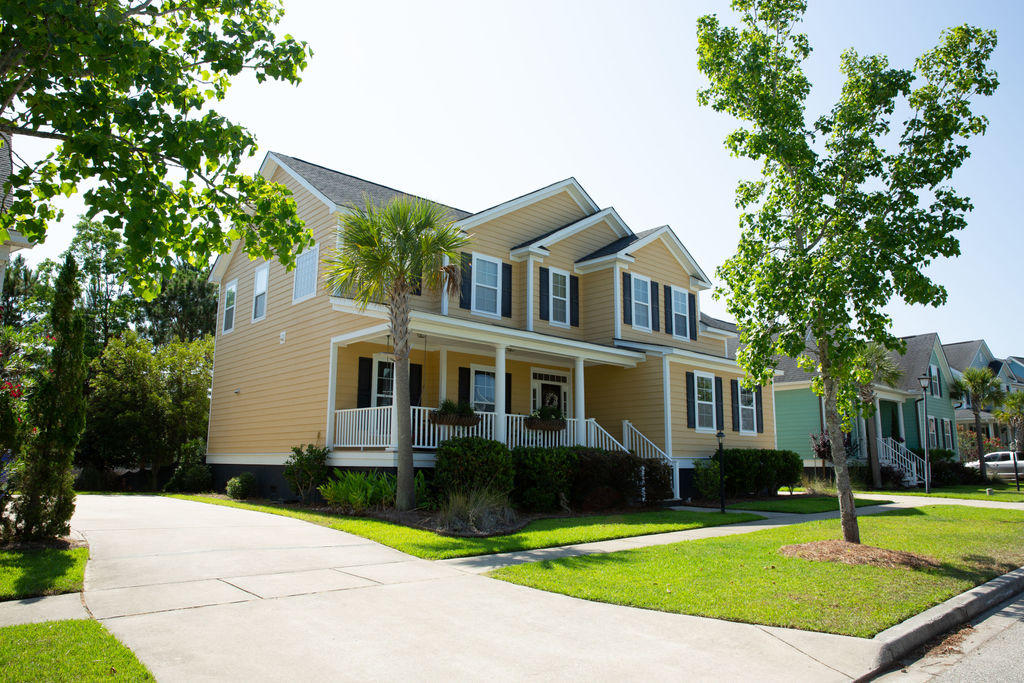 2145 Sandy Point Lane Mount Pleasant, SC 29466