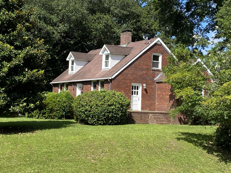 4651 Oakwood Avenue North Charleston, SC 29405