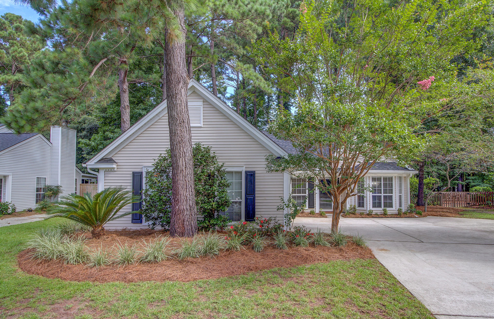 578 Pritchards Point Drive Mount Pleasant, SC 29464