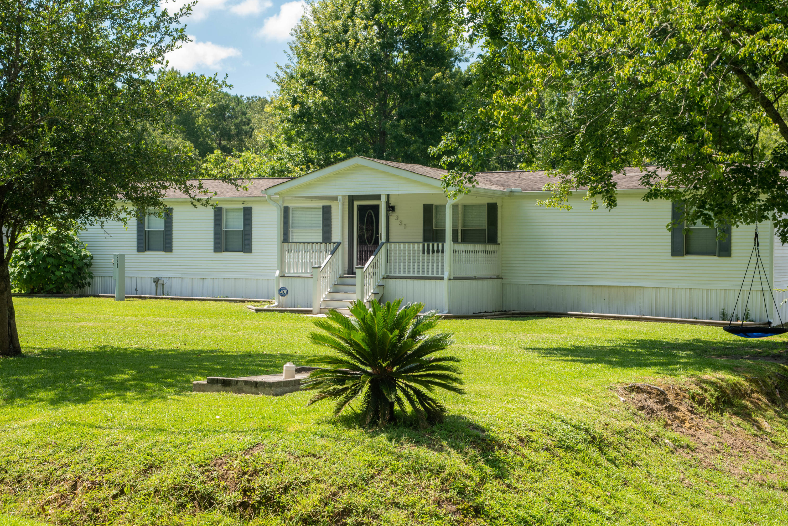 331 Twin Lakes Drive Summerville, SC 29483