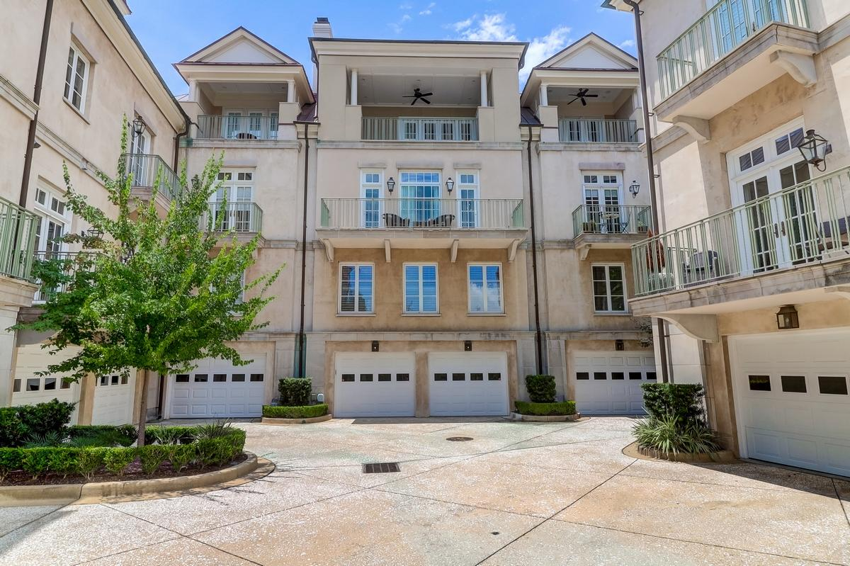 South of Broad Homes For Sale - 104 East Bay, Charleston, SC - 4