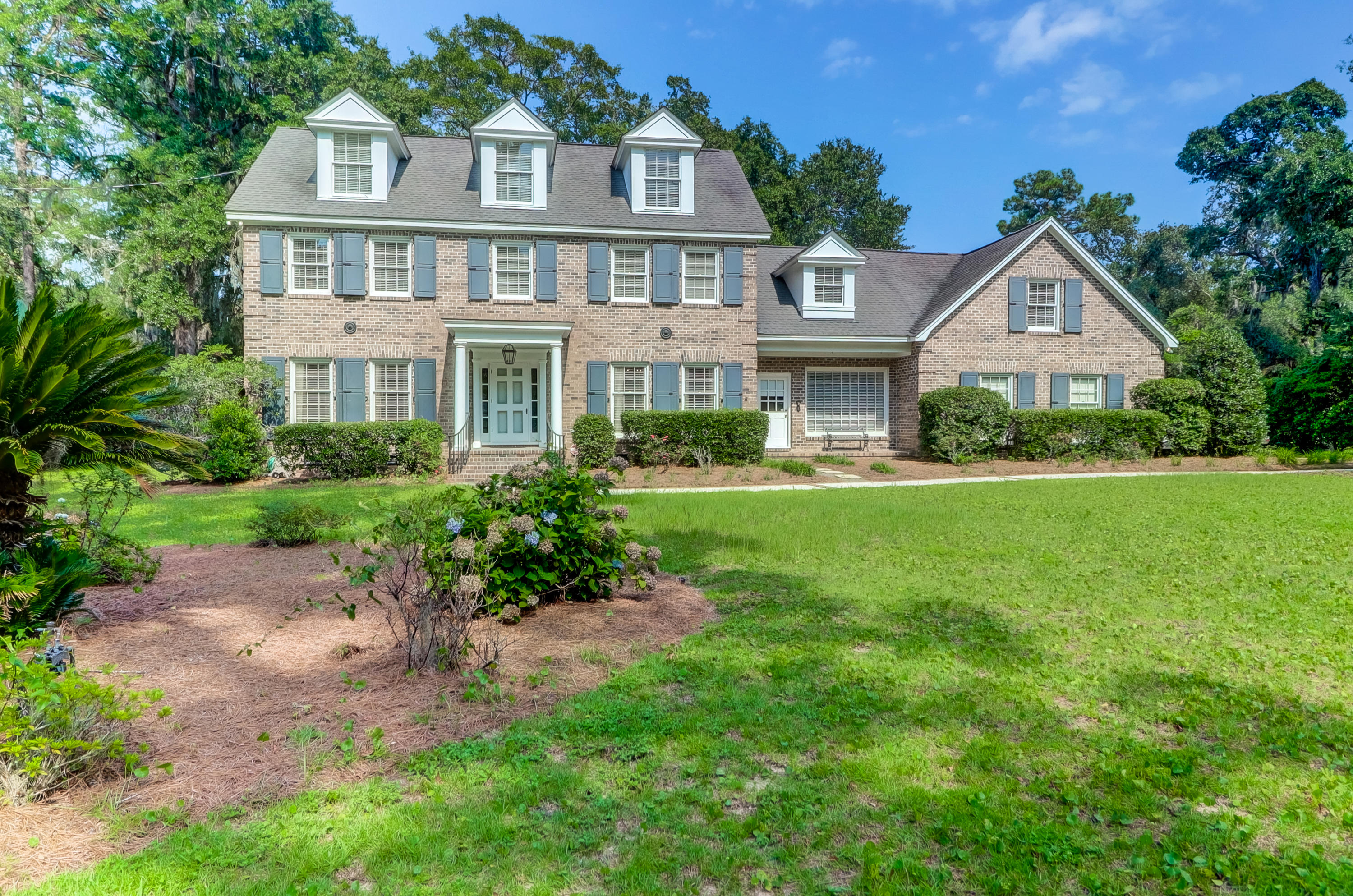 317 Coinbow Drive Mount Pleasant, SC 29464