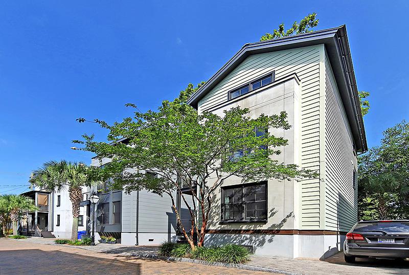 8 Brewster Court Charleston, SC 29403