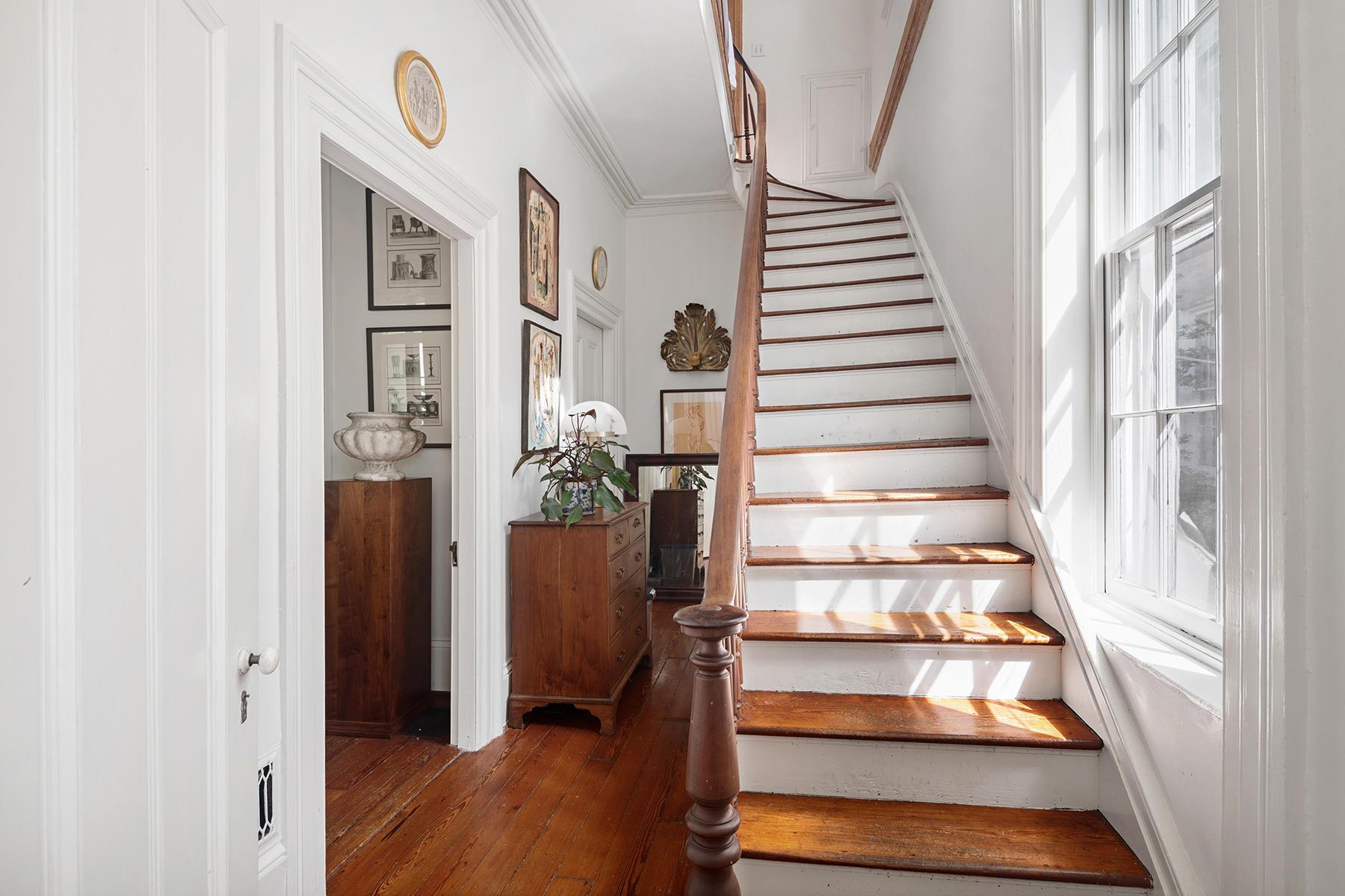 32 Montagu Street Charleston, SC 29401