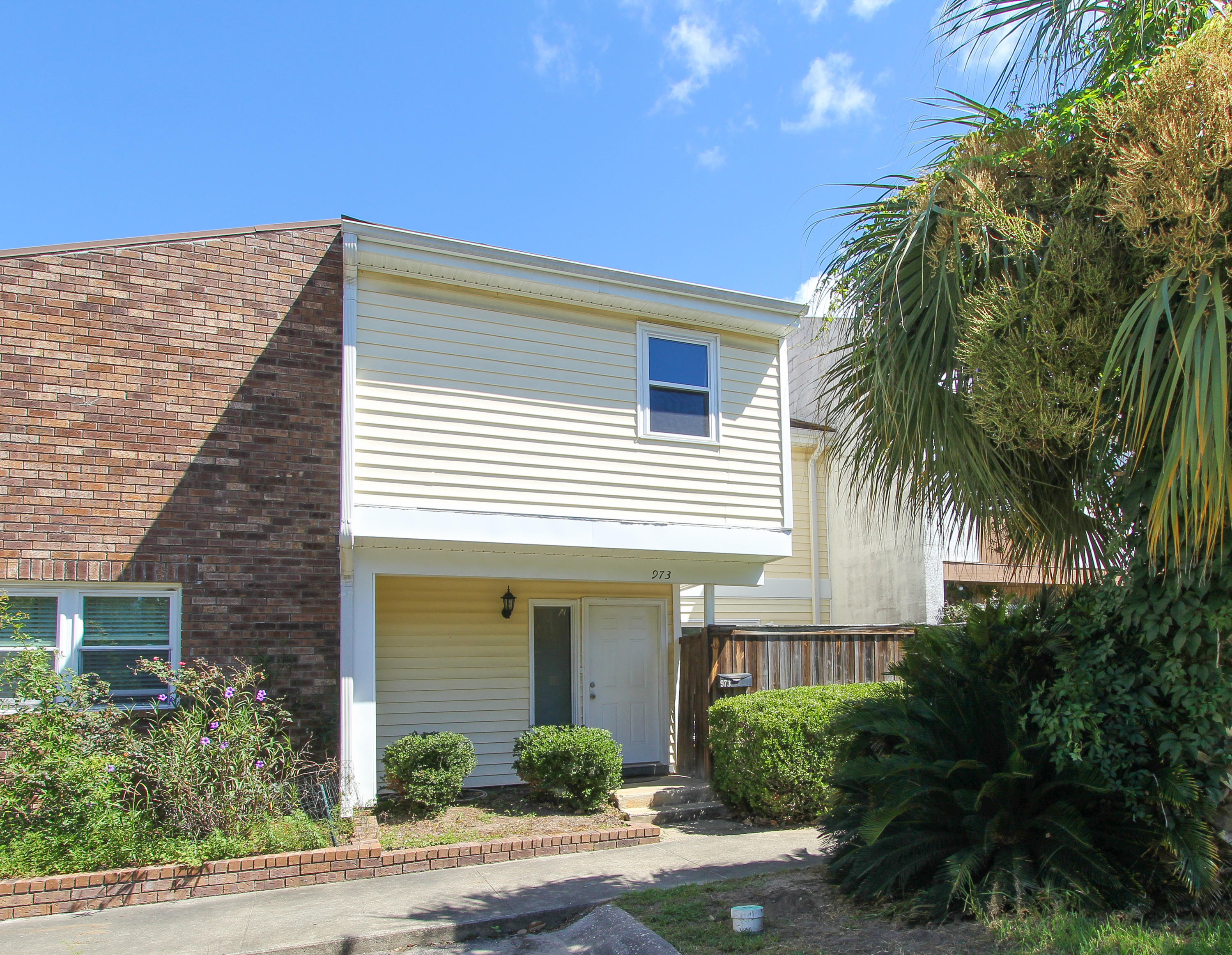 973 Bay Tree Circle Mount Pleasant, SC 29464