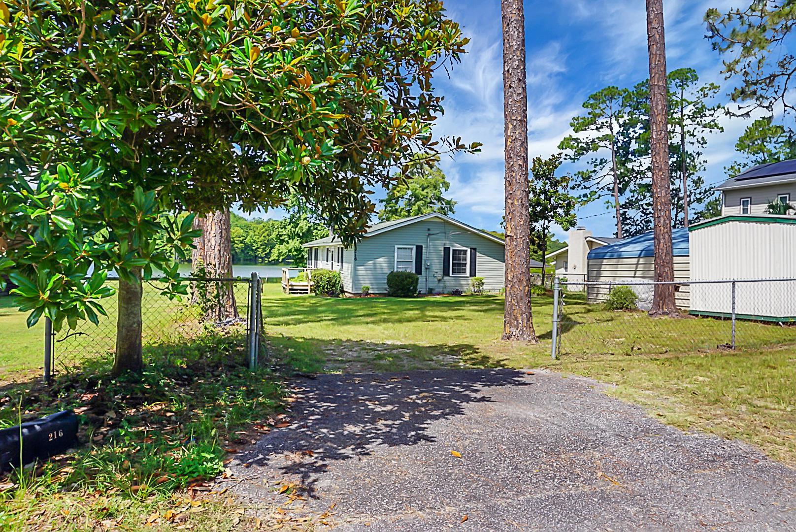 216 Fountain Lake Drive Eutawville, SC 29048