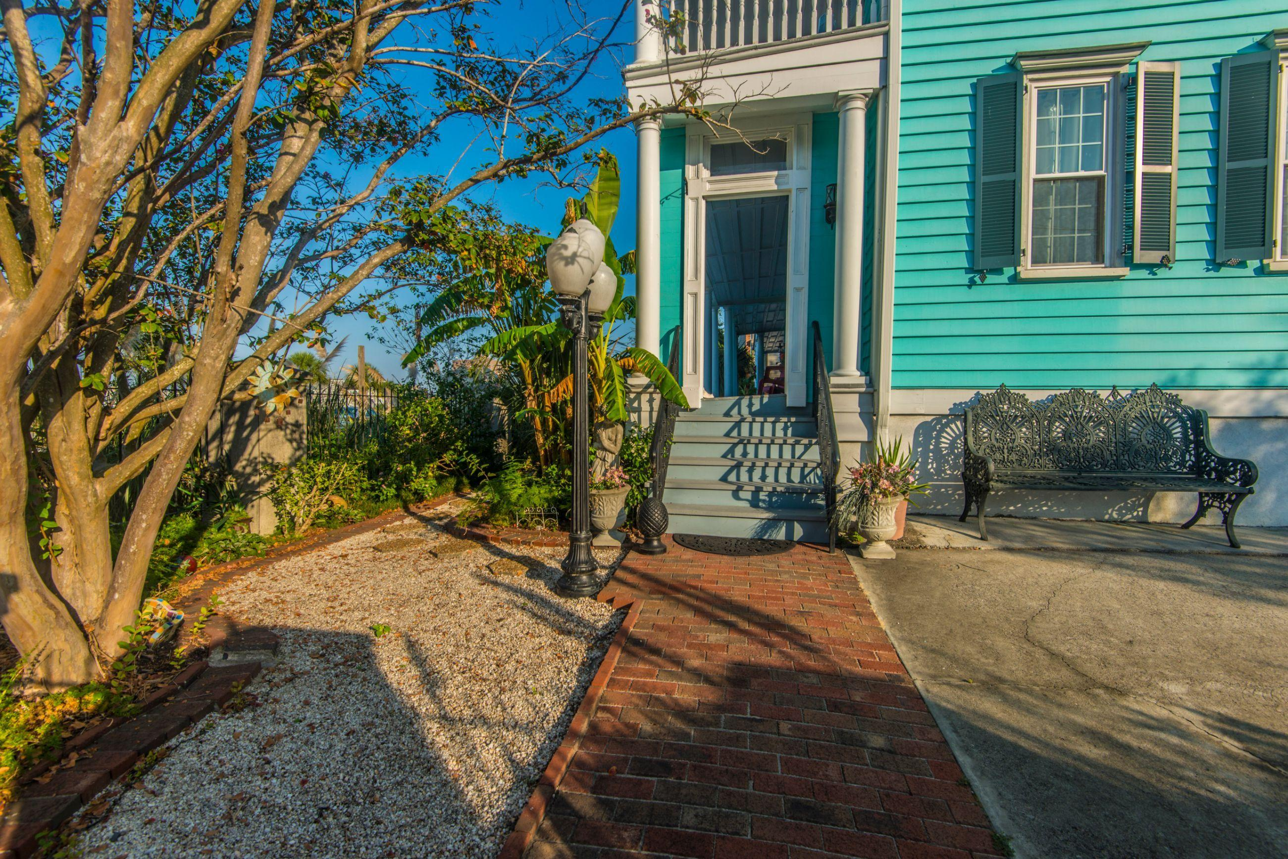 218 Wentworth Street Charleston, SC 29401