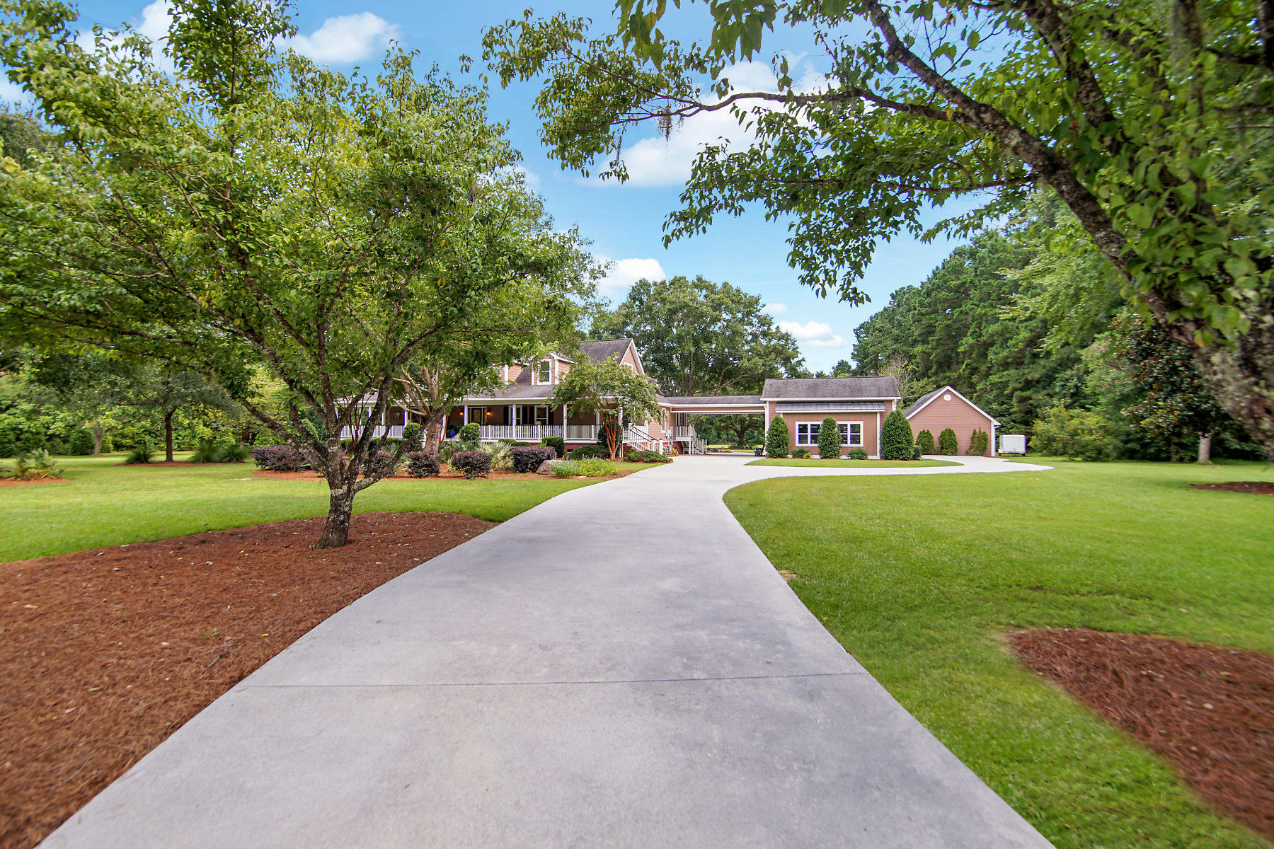 443 Summerset Lane Summerville, SC 29483