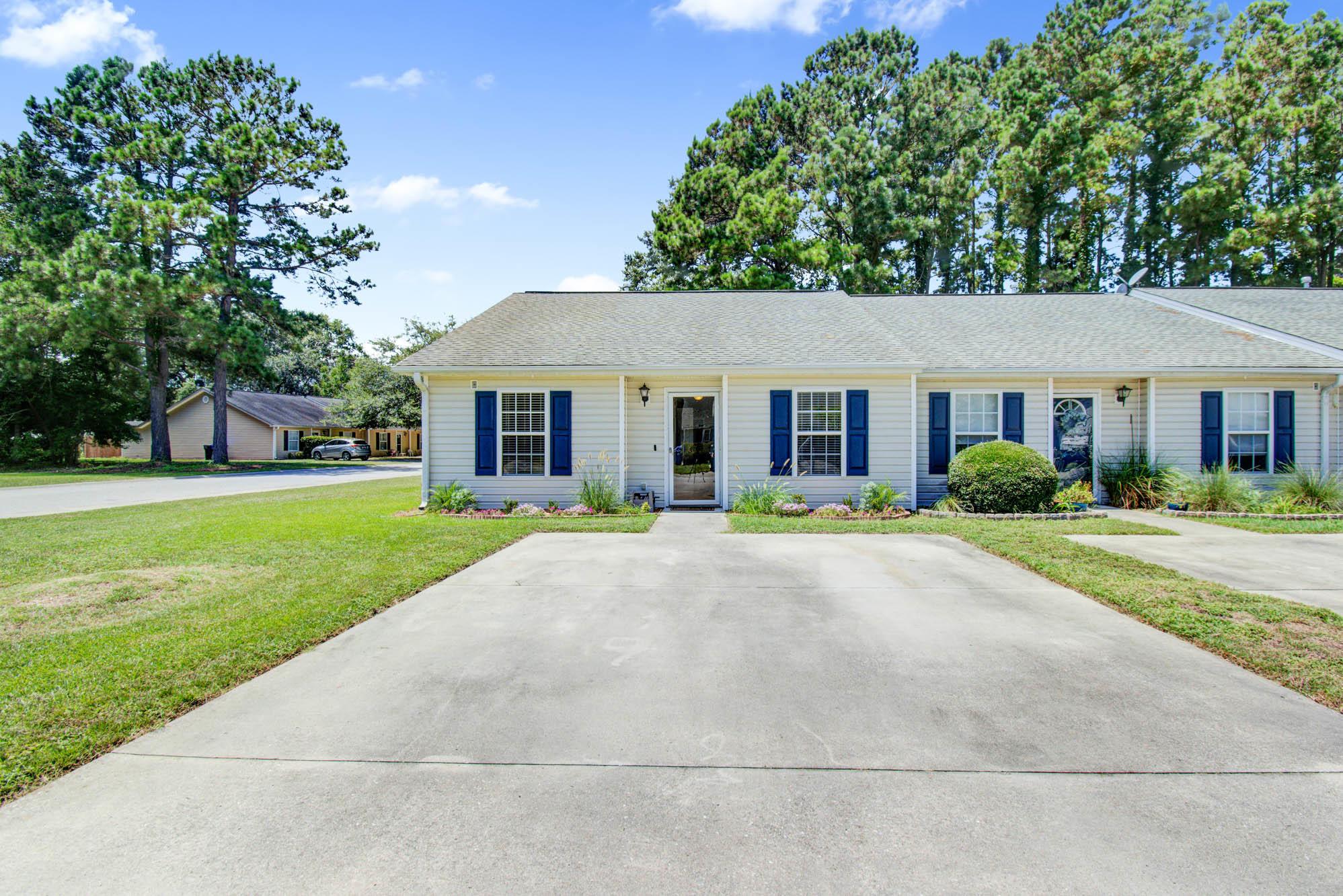 1637 Dexter Lane Charleston, SC 29412