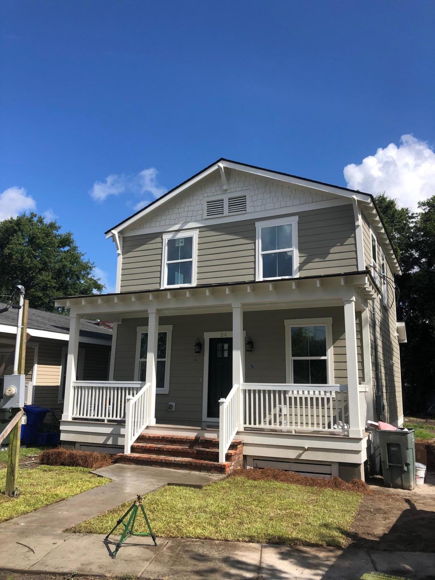 24 Maple Street Charleston, SC 29403