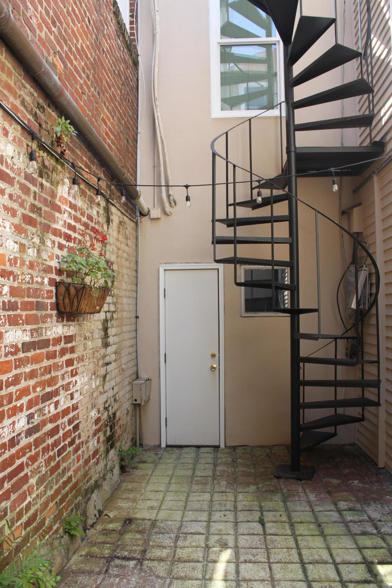 53 Broad Street Charleston, SC 29401