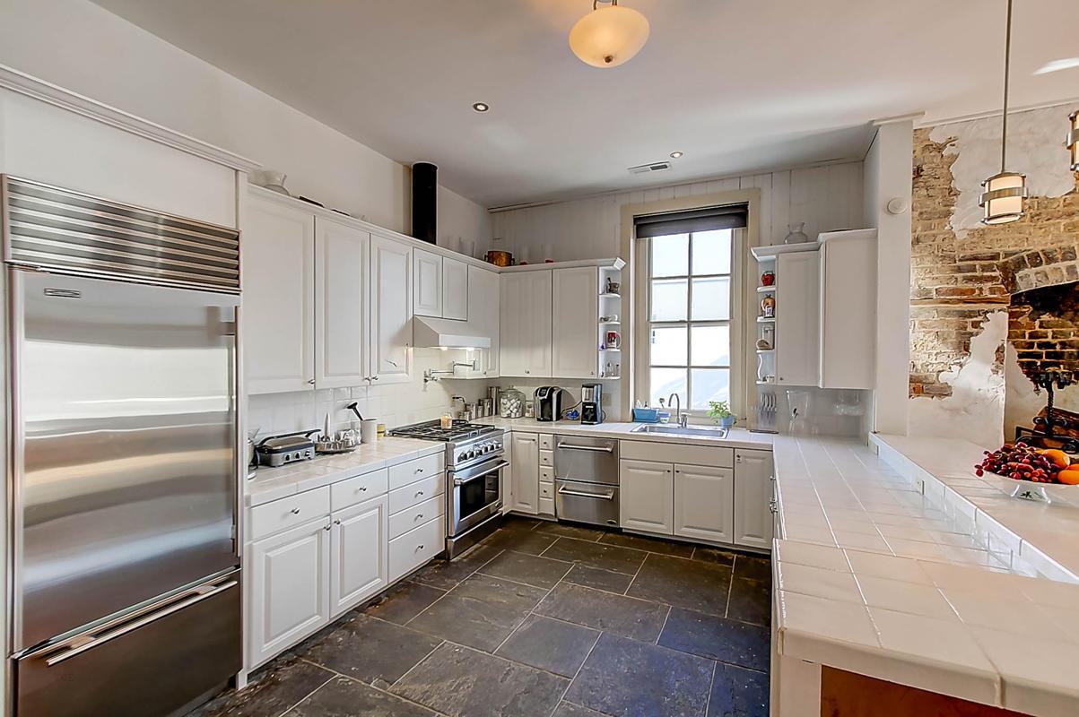 Homes For Sale - 143 Bay, Charleston, SC - 19