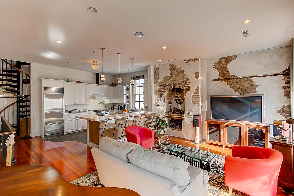 Homes For Sale - 143 Bay, Charleston, SC - 18