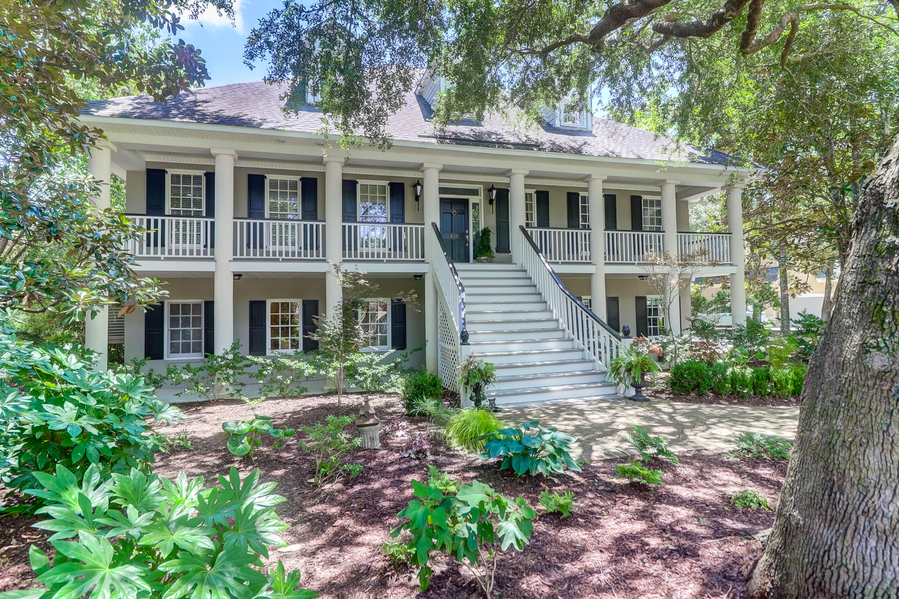 638 Hobcaw Bluff Drive Mount Pleasant, SC 29464