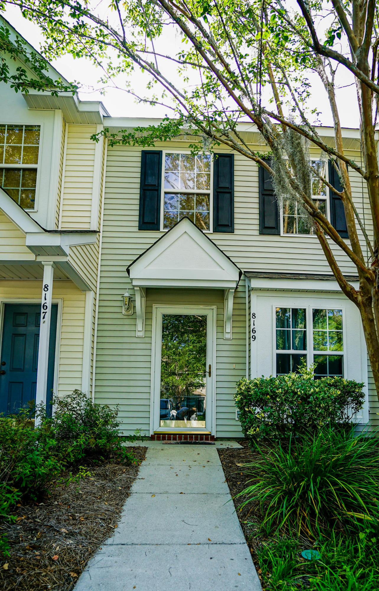 8169 Shadow Oak Drive North Charleston, SC 29406