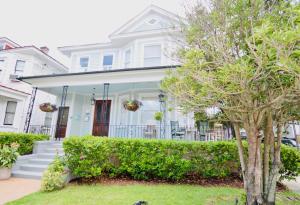 295 Sumter Street, B, Charleston, SC 29403
