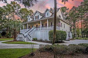 2970 Pignatelli Crescent, Mount Pleasant, SC 29466
