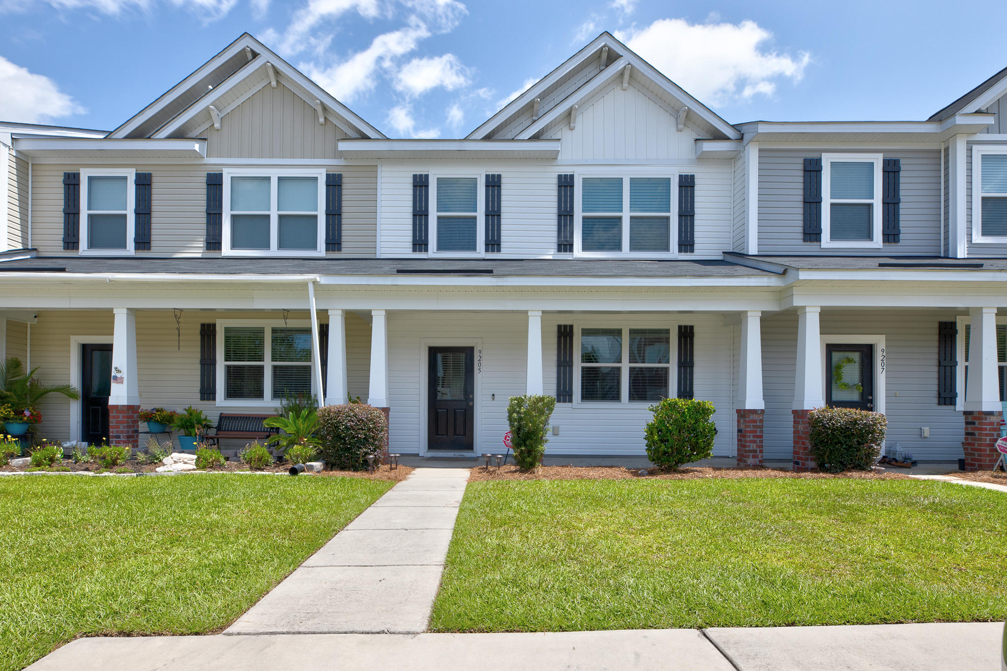 9205 Southern Oak Lane Ladson, SC 29456