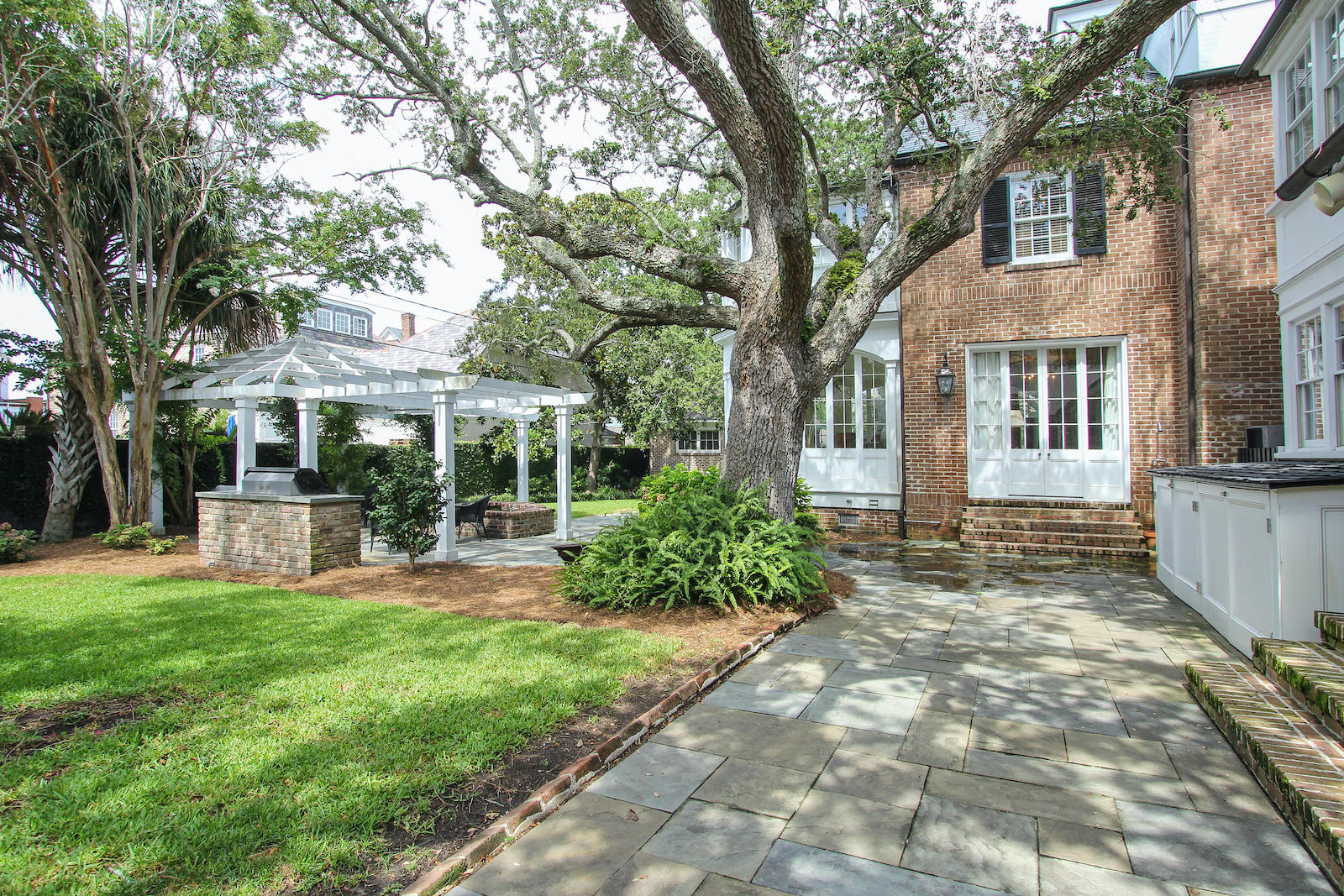 South of Broad Homes For Sale - 135 Battery, Charleston, SC - 26