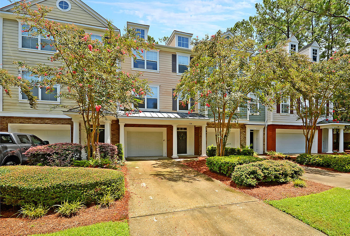 128 Fair Sailing Road Mount Pleasant, SC 29466