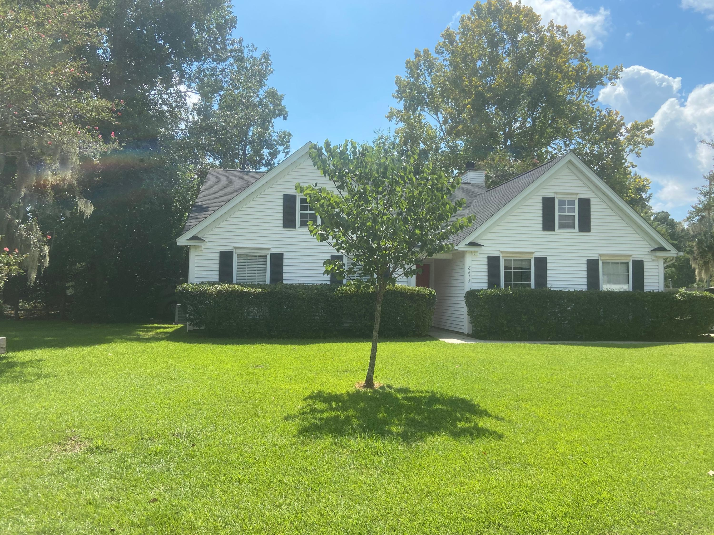 8615 River Oaks Drive North Charleston, SC 29420