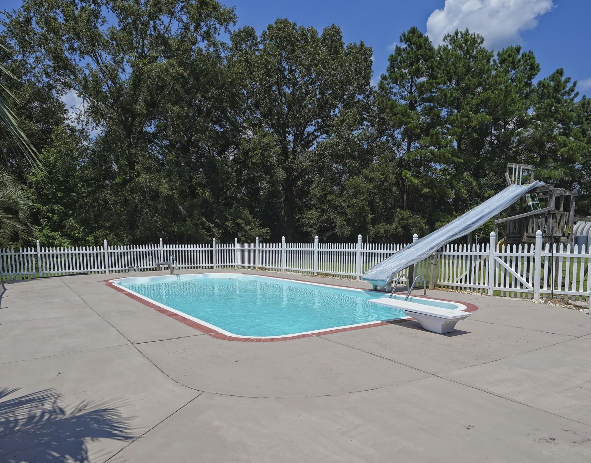 118 Swimmin Hole Lane Moncks Corner, SC 29461
