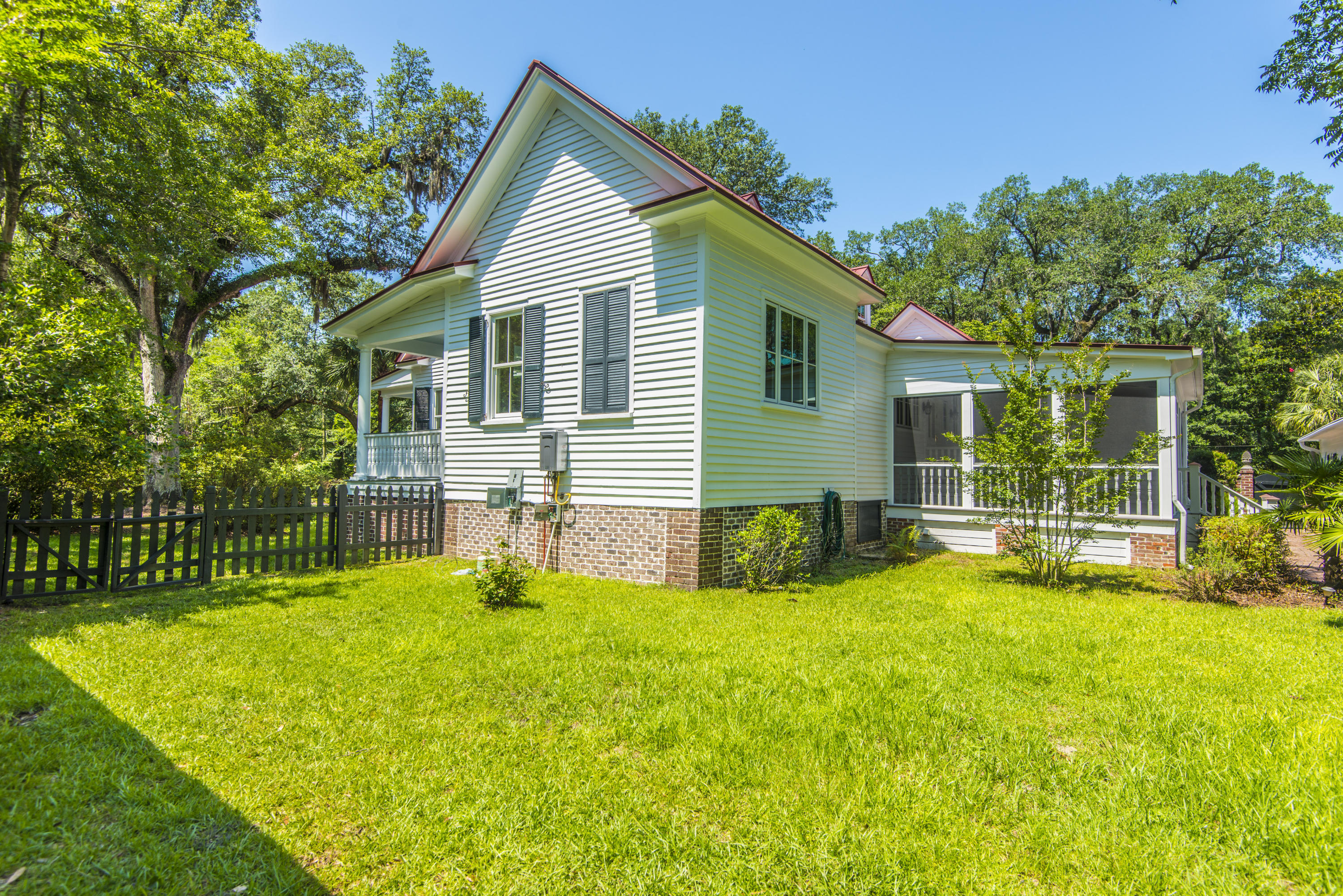 534 Central Avenue Summerville, SC 29483