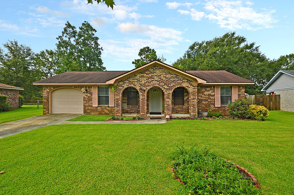 206 Village Green Circle Summerville, SC 29486