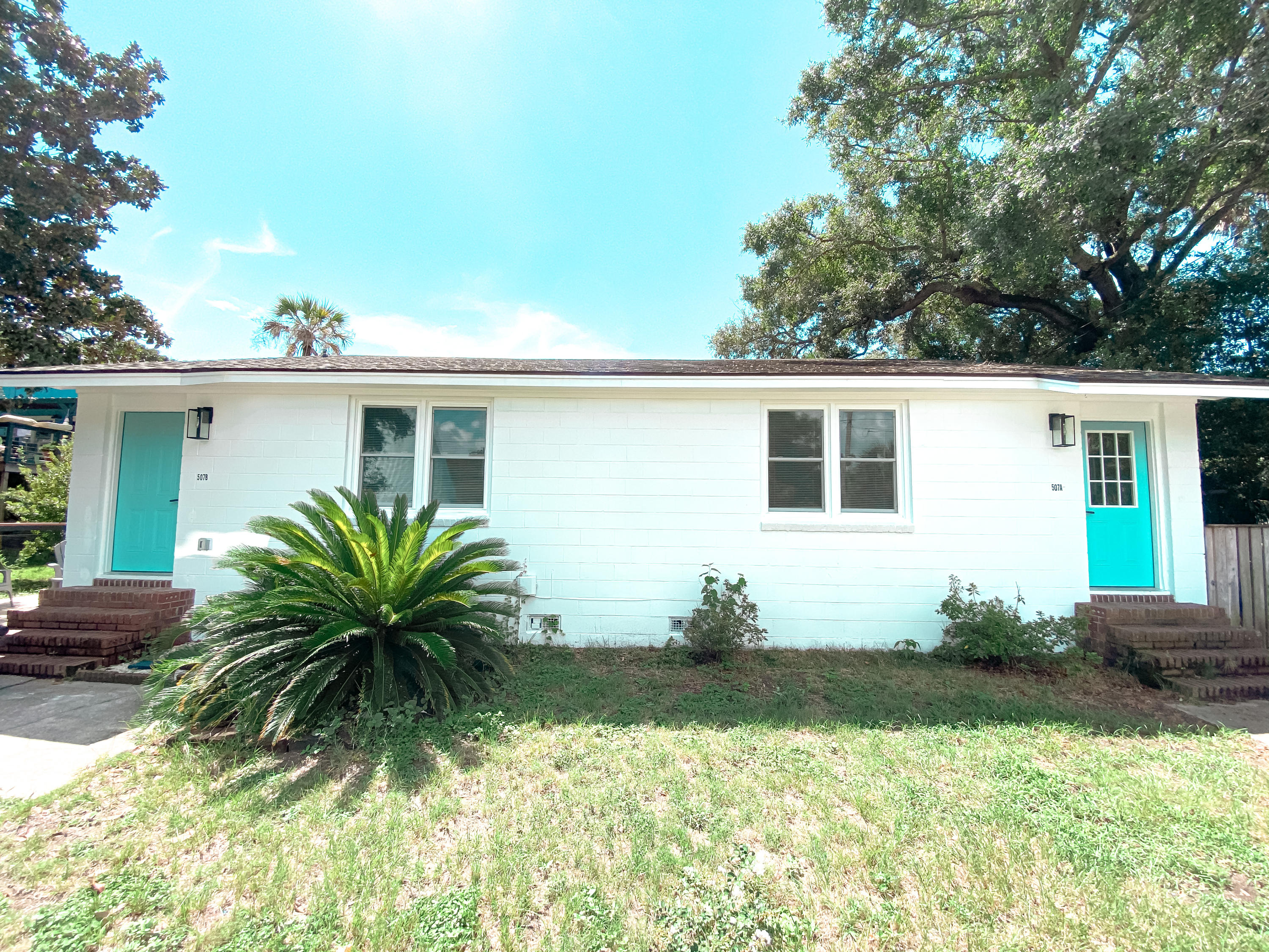 508 E Cooper Avenue Folly Beach, SC 29439