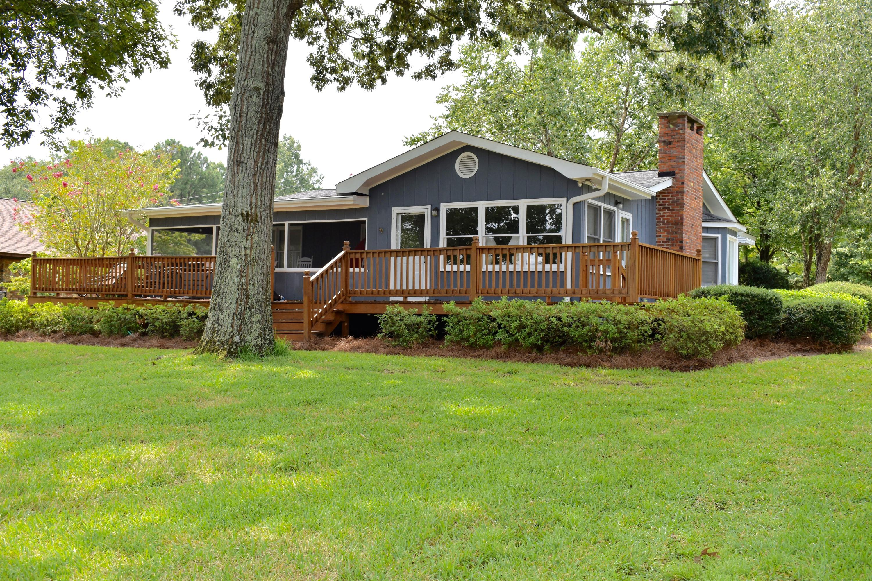 1087 Lakeview Drive Manning, SC 29102