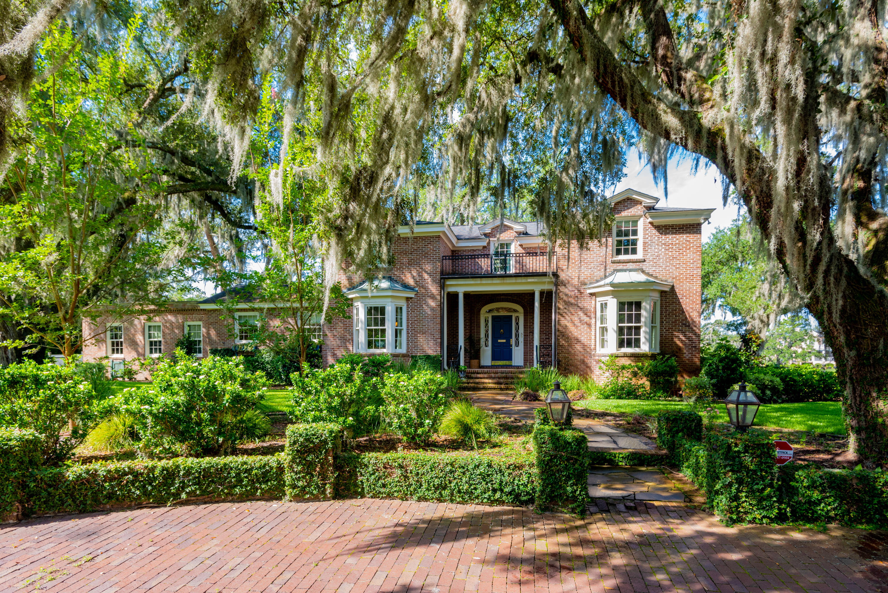 39 Broughton Road Charleston, SC 29407
