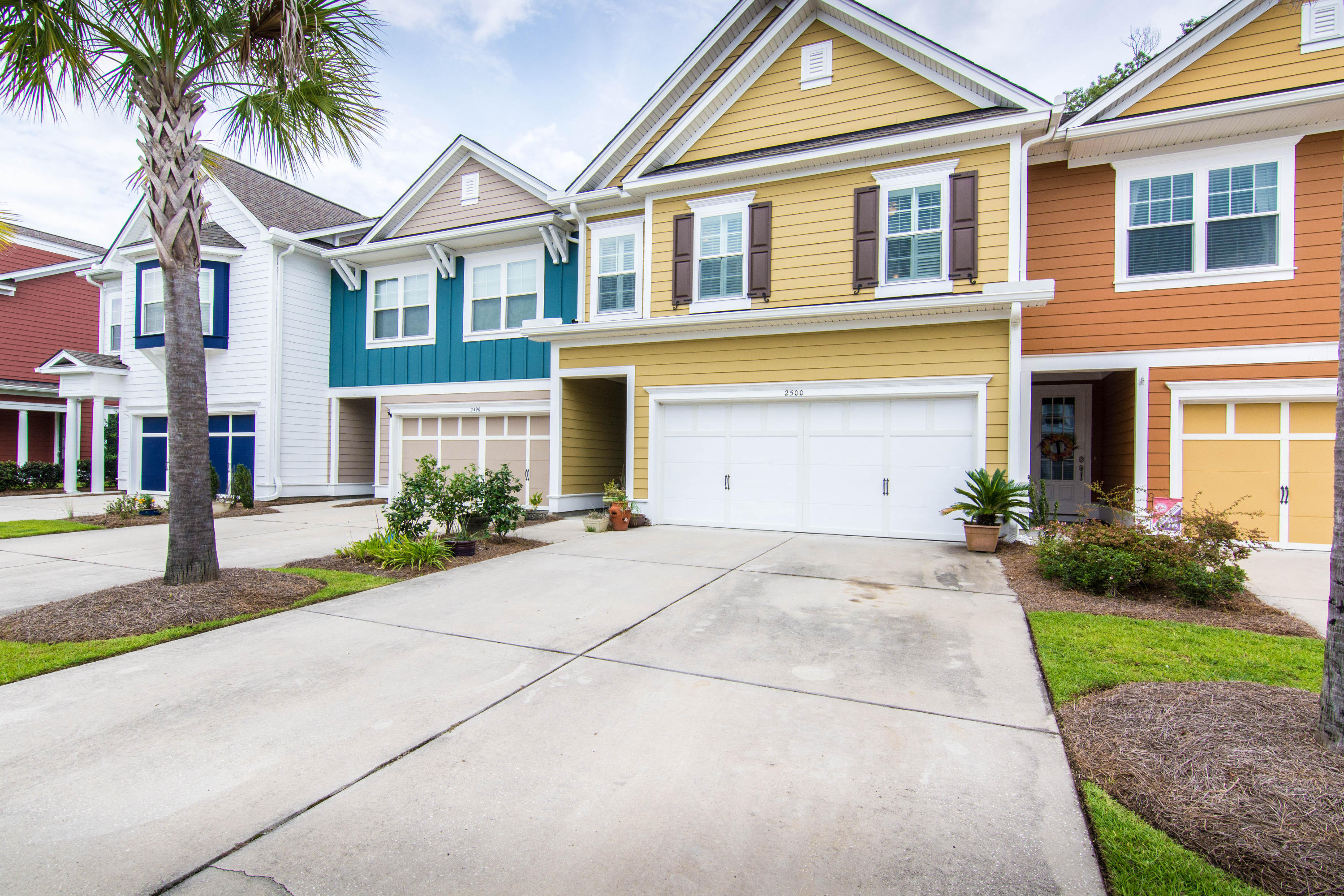 2500 Kings Gate Lane Mount Pleasant, SC 29466
