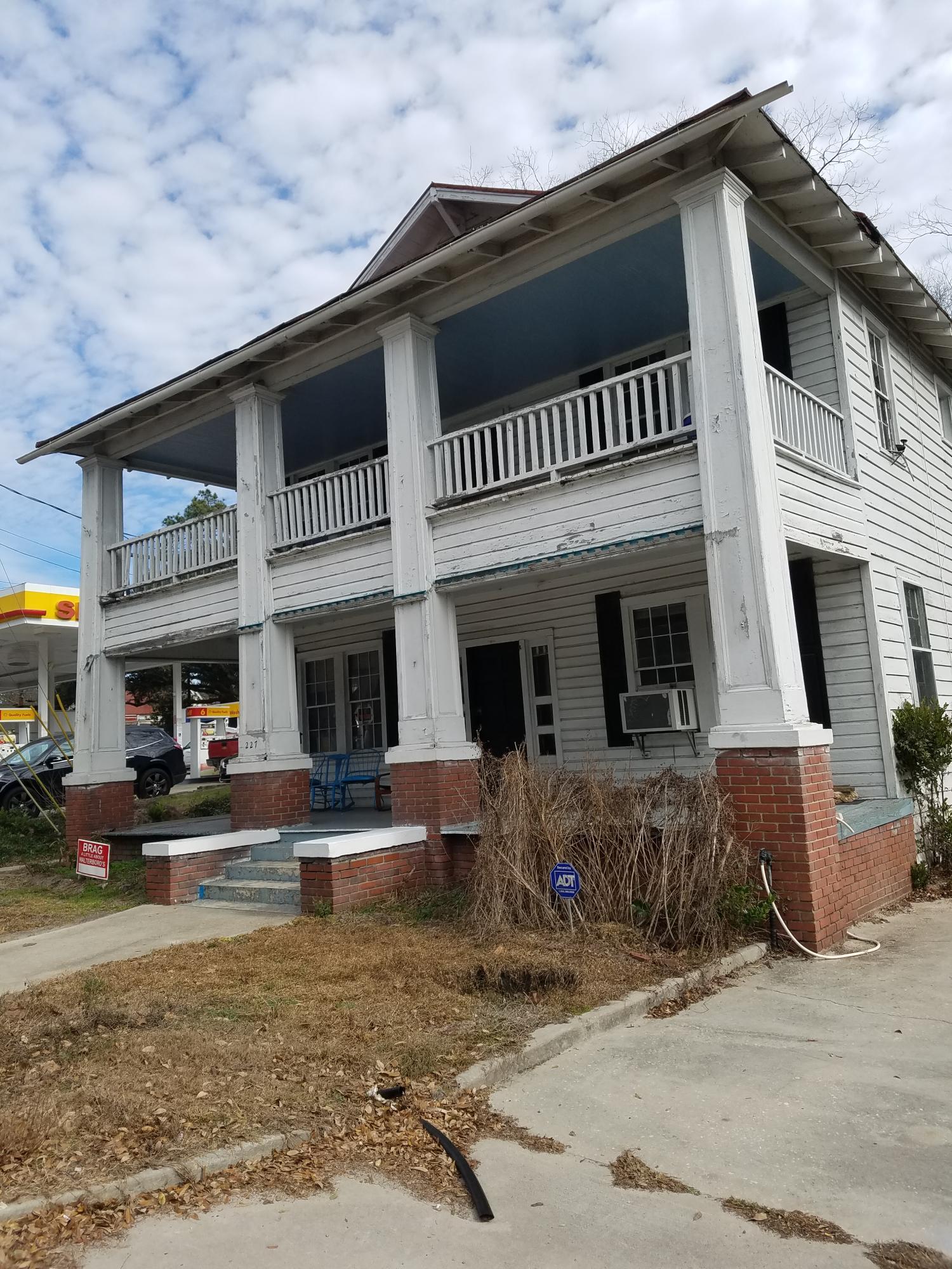 227 S Jefferies Boulevard Walterboro, SC 29488