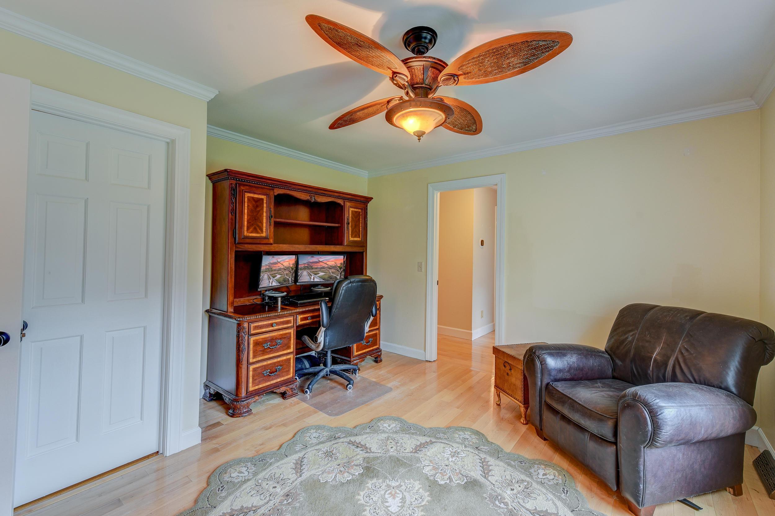 886 White Point Boulevard Charleston, SC 29412
