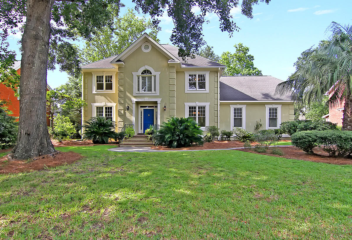 629 Hobcaw Bluff Drive Mount Pleasant, SC 29464