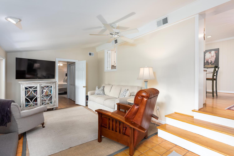 Cooper Estates Homes For Sale - 631 Pelzer, Mount Pleasant, SC - 29