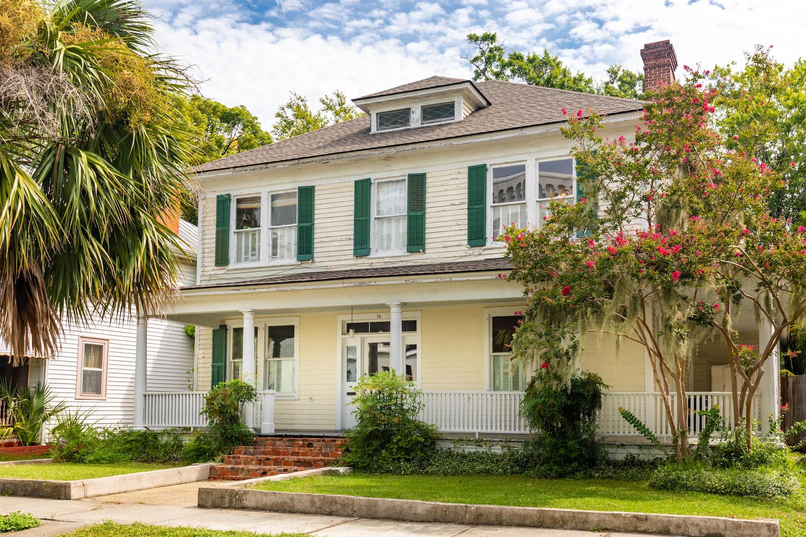 16 Elmwood Avenue Charleston, SC 29403