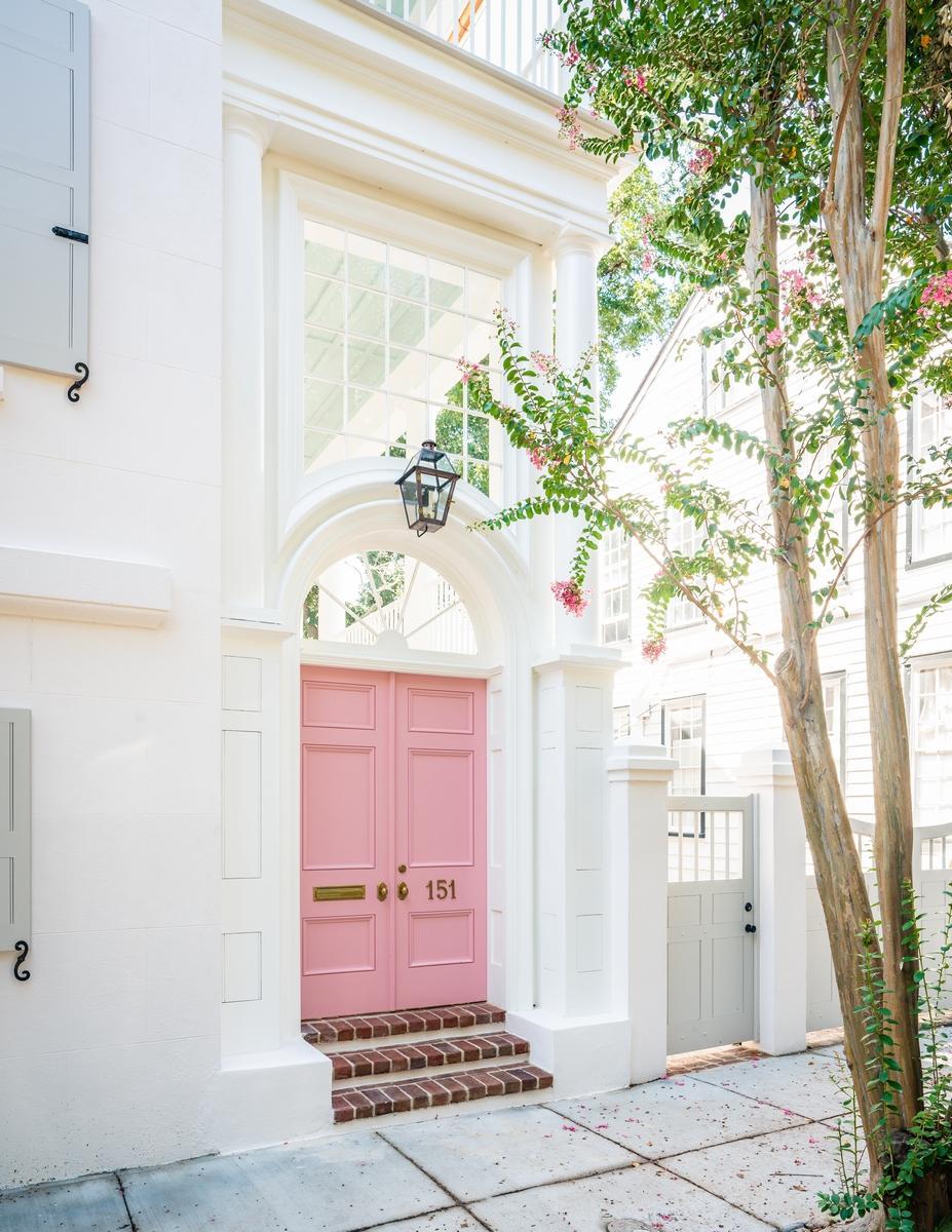 151 Queen Street Charleston, SC 29401