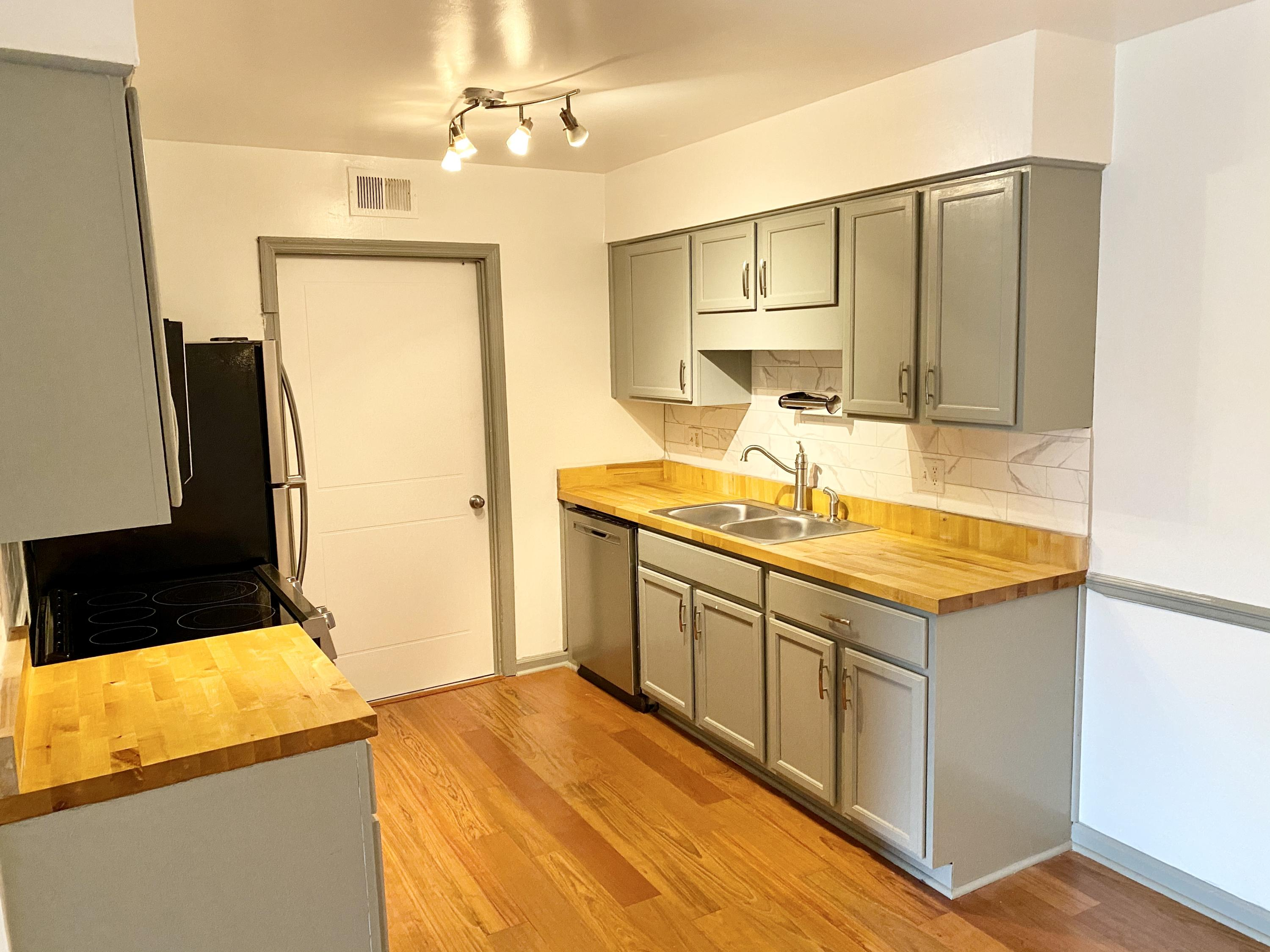 1402 Camp Road UNIT 2h Charleston, SC 29412