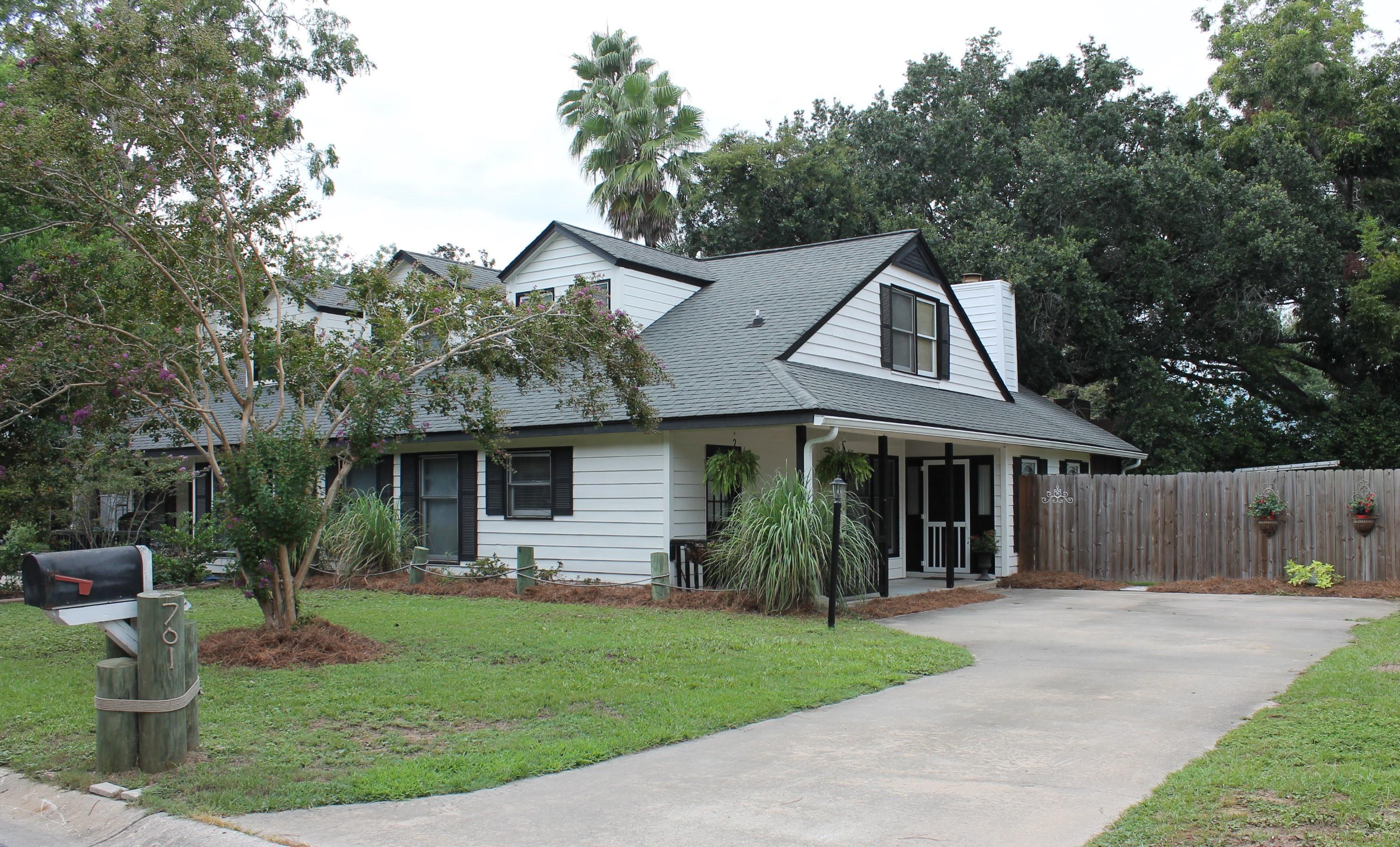 701 Fox Pond Drive Mount Pleasant, SC 29464
