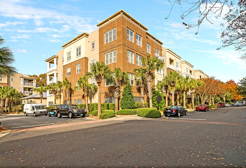 200 River Landing Drive UNIT F 205 Charleston, SC 29492