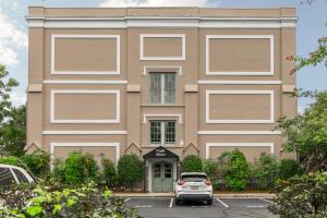 67 Legare Street, 308, Charleston, SC 29401