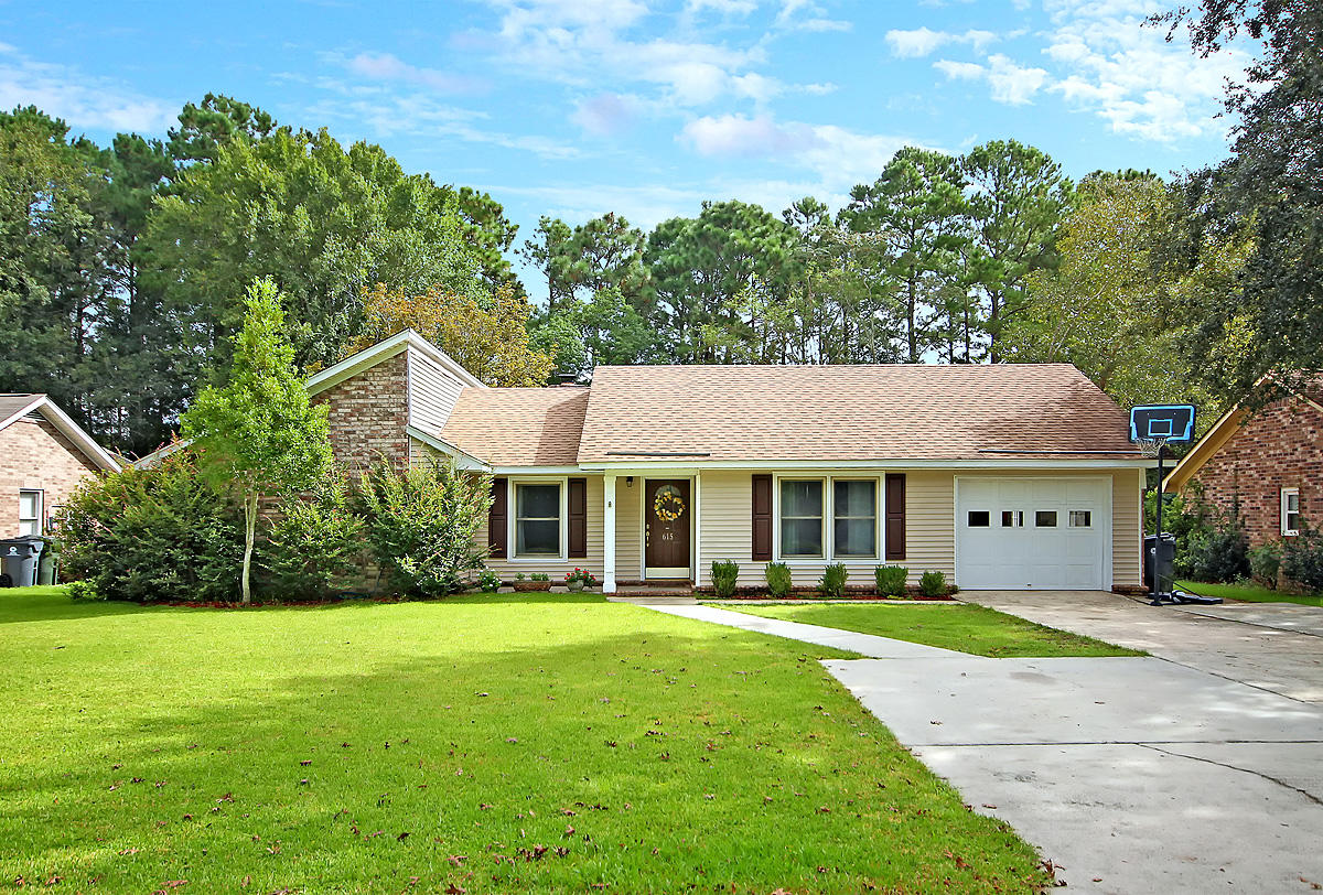 615 Longleaf Road Summerville, SC 29486
