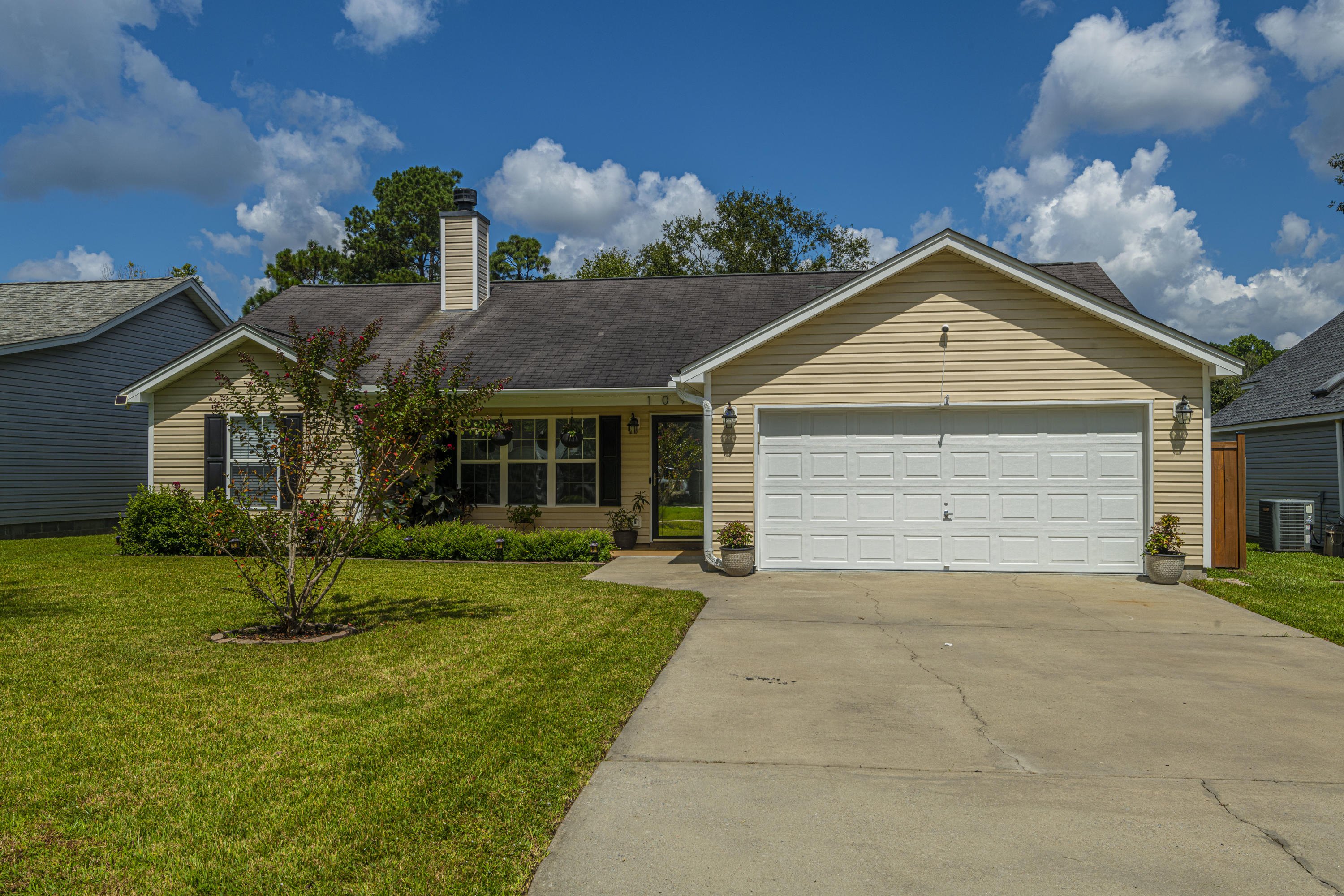 109 Fern Court Summerville, SC 29486