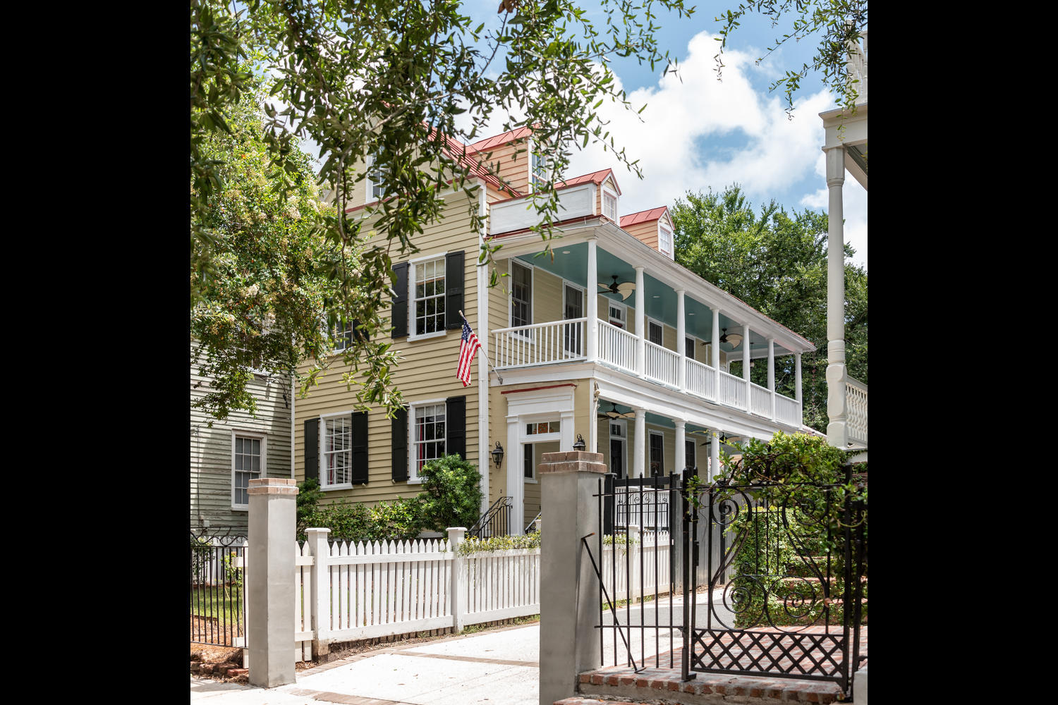 65 Warren Street Charleston, SC 29403