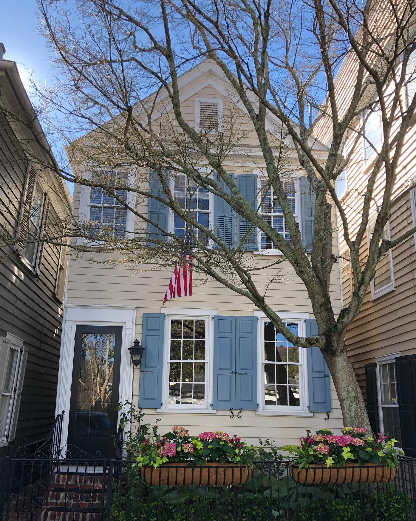 89 Tradd Street Charleston, SC 29401