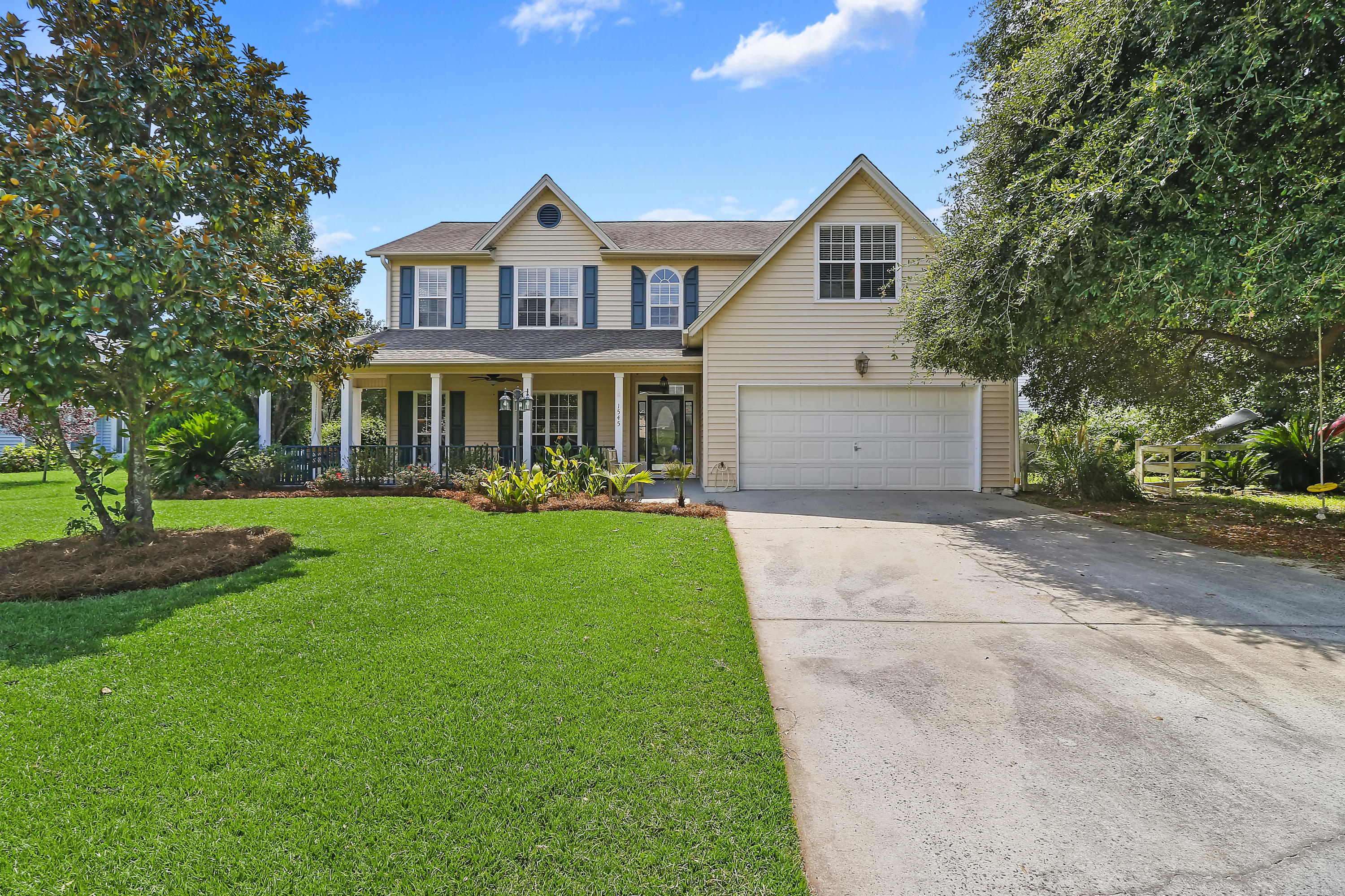 1545 Glen Erin Drive Mount Pleasant, SC 29464